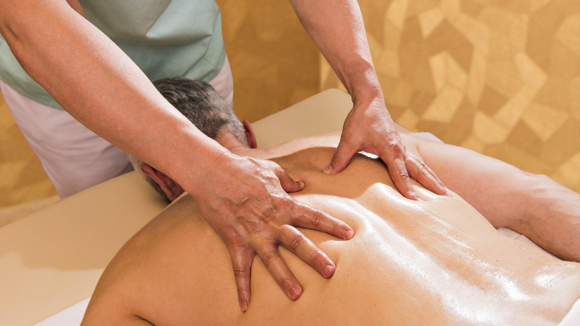 Японка оргазм на массаже, Оргазм на японском массаже - видео 17 фотография